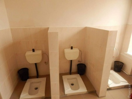 New school toilets (Photo courtesy of Dumskaya)